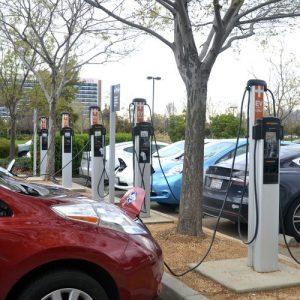 Дванайсет американски щата призовават Байдън да подкрепи постепенно спиране на продажбите на бензинови коли до 2035 година