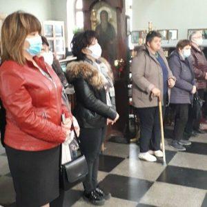 Курбан за здраве дариха съветниците от ГЕРБ за храмовия празник на църквата в Крумовград