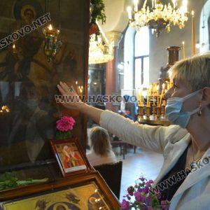 """Тържествена литургия в """"Свети Георги"""", предстои ремонт на църквата"""