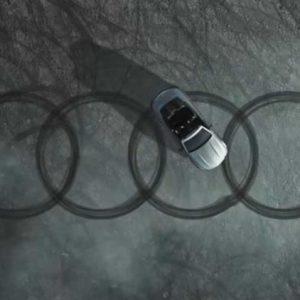 Mercedes се пошегува с Audi (видео)